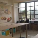עיצוב מדבקת פרסום במרכז סדנאות שוקולד : דה בר. כפר חסידים